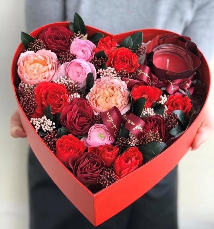 Свежие букеты цветов с доставкой в Бресте