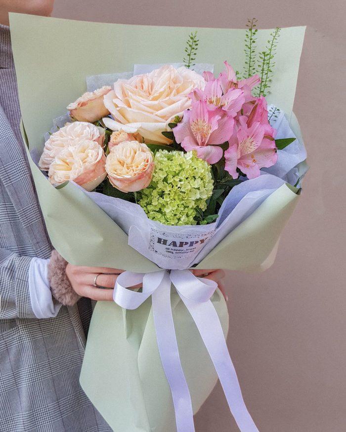 Сборный букет роза, пионовидная роза, альстромерия с доставкой в Бресте